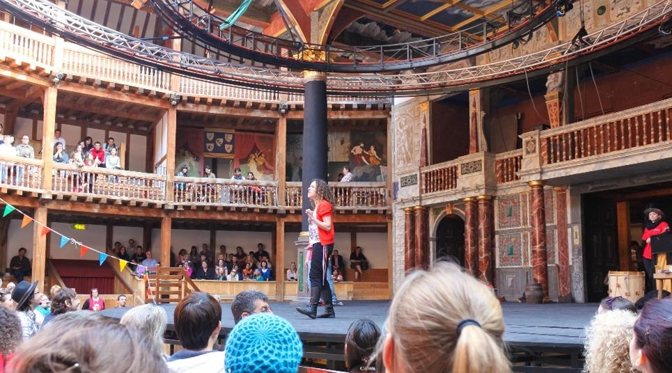 Palco do Globe Theatre (Foto: divulgação)