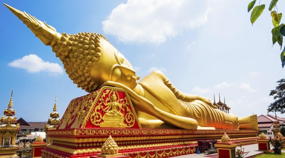 Estátua de Buda em Luang Prabang (Foto: shutterstock.com)