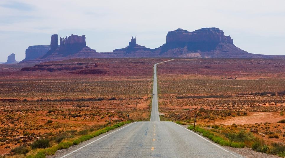 Vista para o Monument Valley na Route 162 (Foto: shutterstock.com)