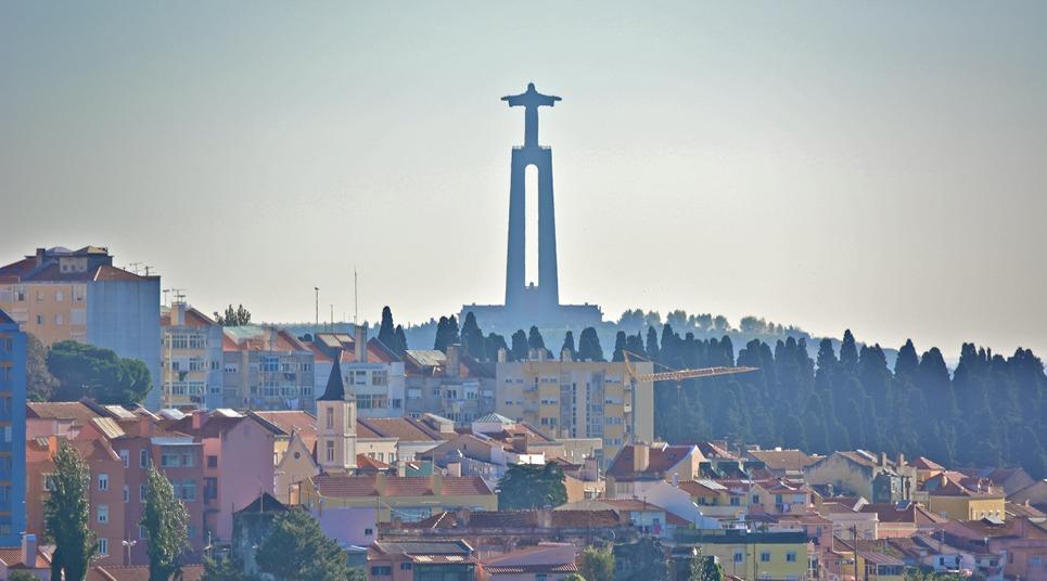 Estátua do Cristo Rei de Almada