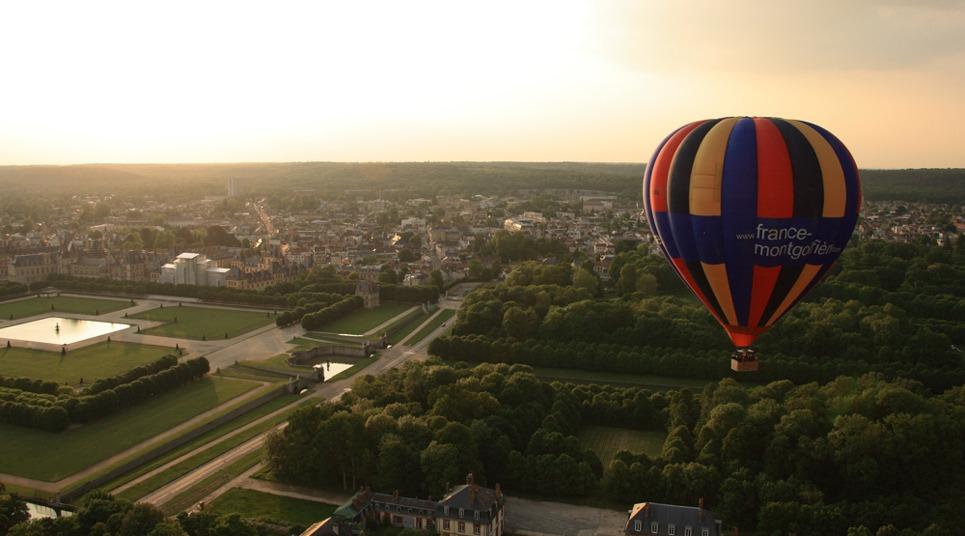 Quem visita a França também pode se aventurar em um passeio de balão (foto: divulgação)