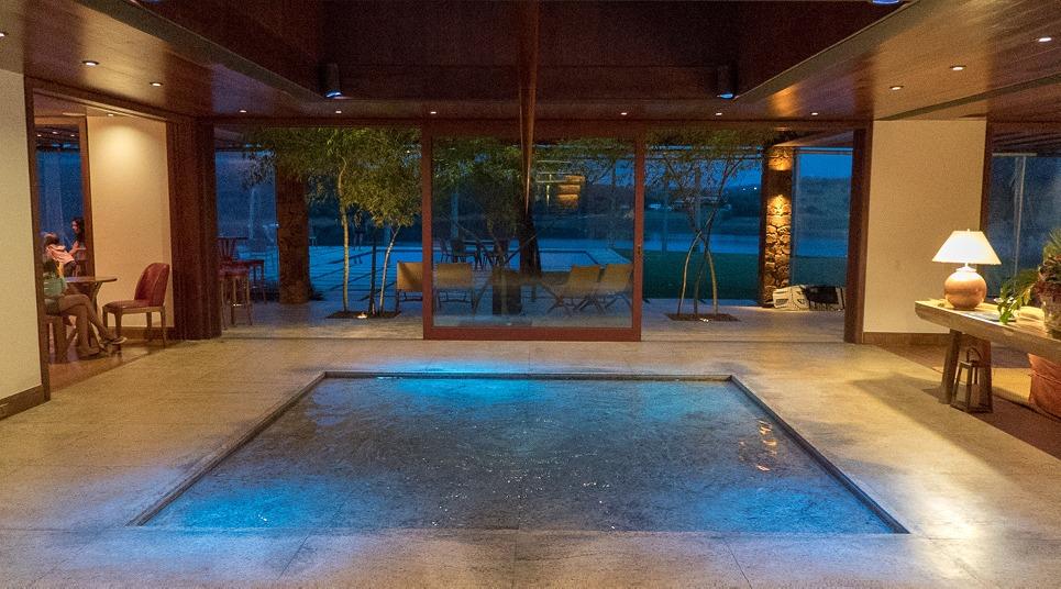 Uma das piscina do Clara Ibiúna Resort