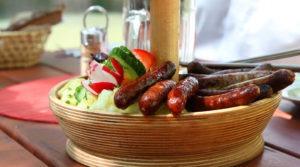 Salsicha bratwurst com chucrute