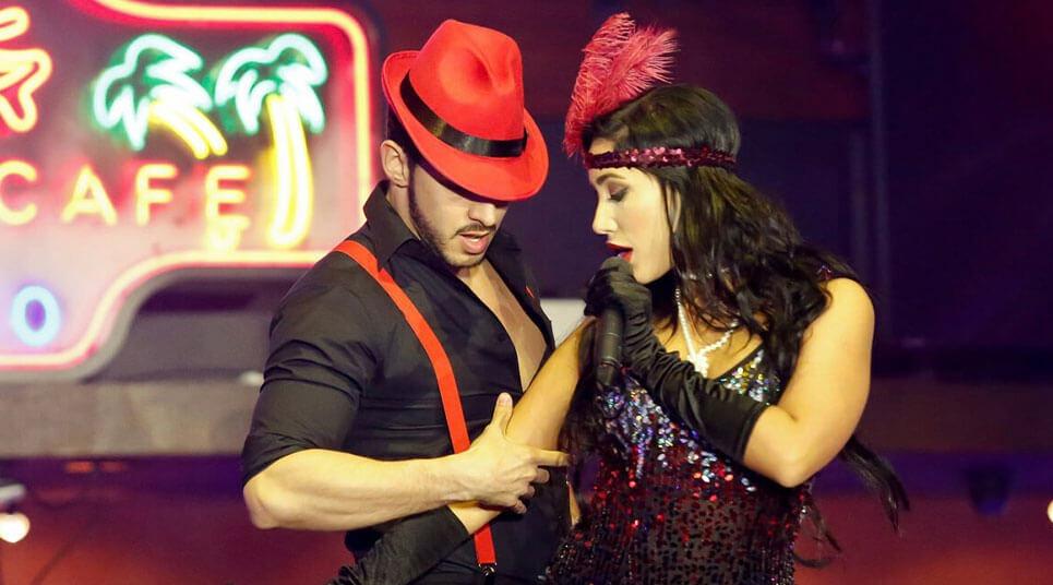 Show de música e dança no Mangos