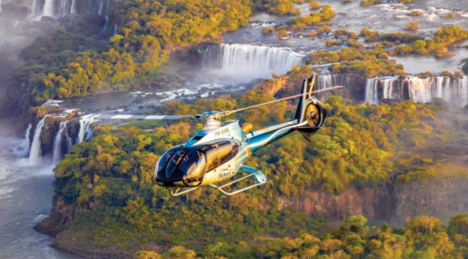Sobrevoo de helicóptero nas Cataratas do Iguaçu