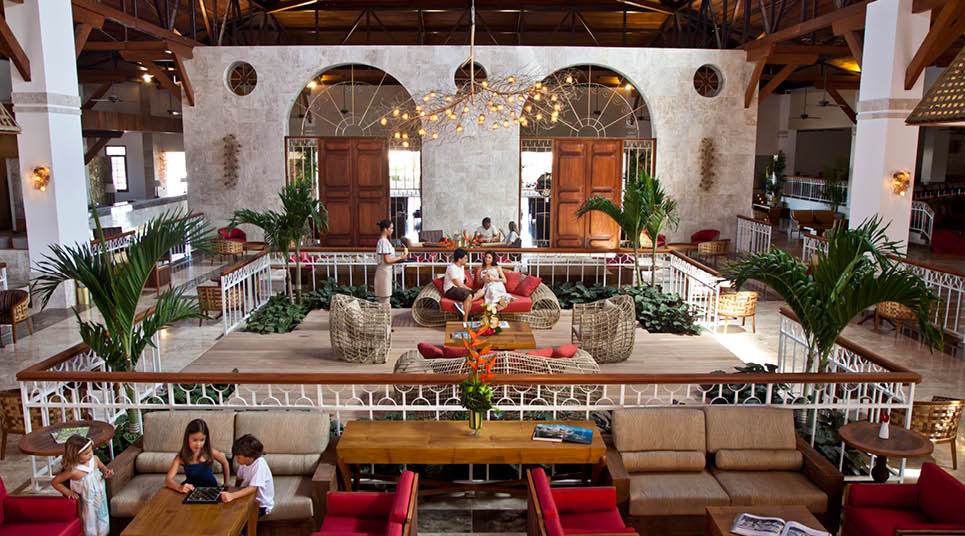 Lobby do Grand Palladium Imbassaí Resort