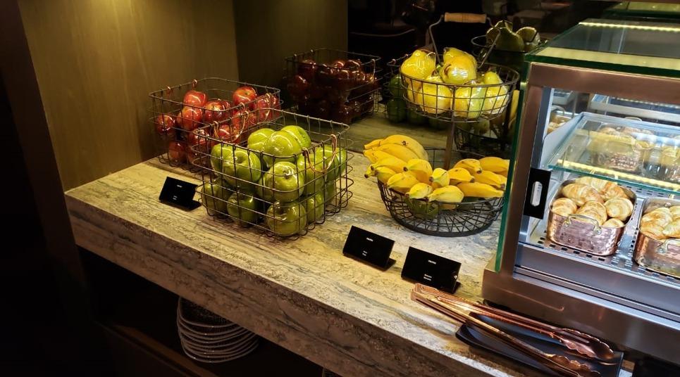Frutas na sala vip da Mastercard