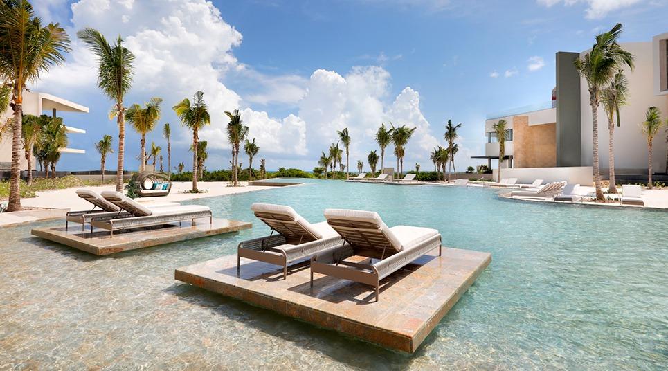 Piscina do TRS Coral Hotel