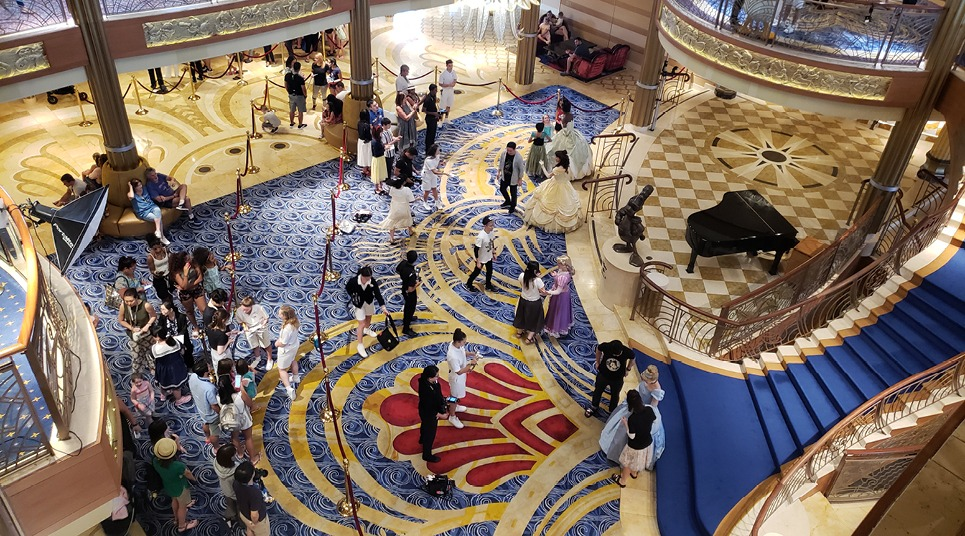 Interior do Disney Dream