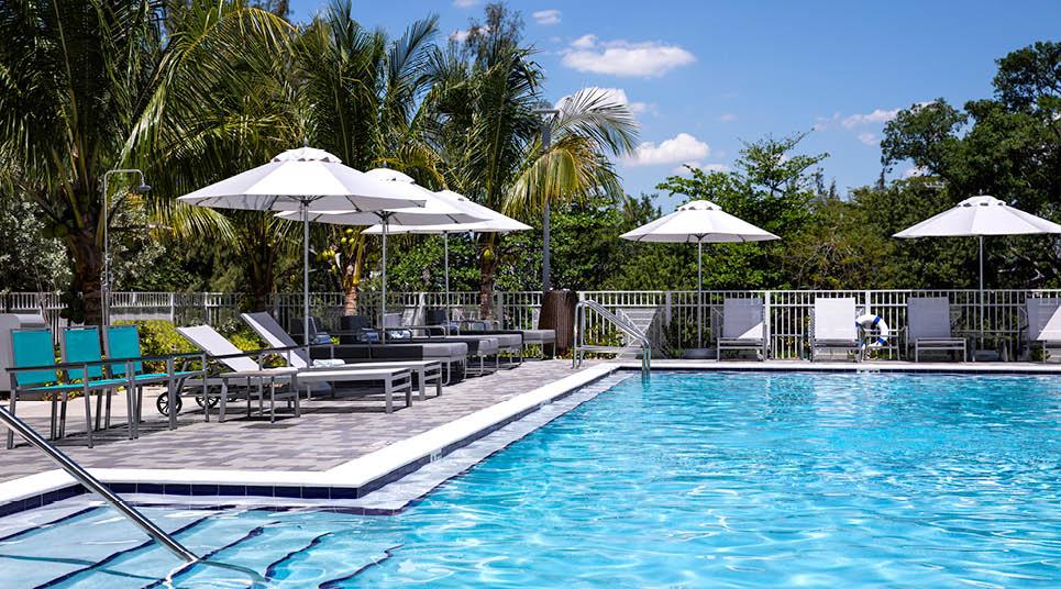 Piscina do Even Hotel Miami-Airport
