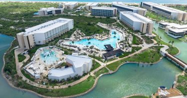 Vista aérea dos resorts Grand Palladium em Costa Mujeres