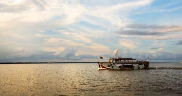 Passeio de barco pelo Rio Guamá