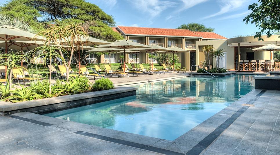 Piscina do hotel Ghost Mountain Inn & Safaris