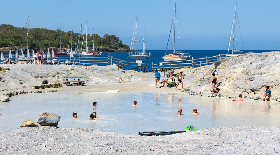 Banho de lama na ilha de Vulcano