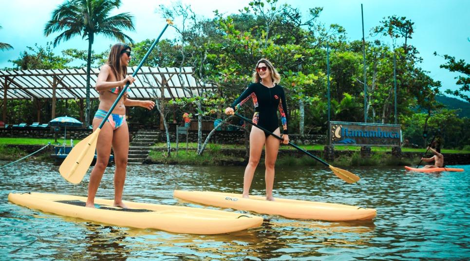 Stand up paddle no Rio Itamambuca