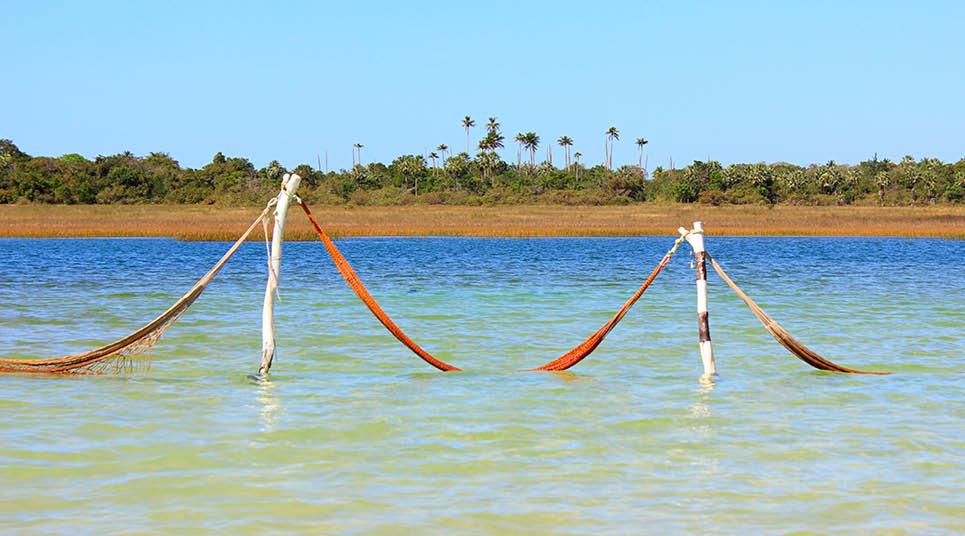 Redes na lagoa