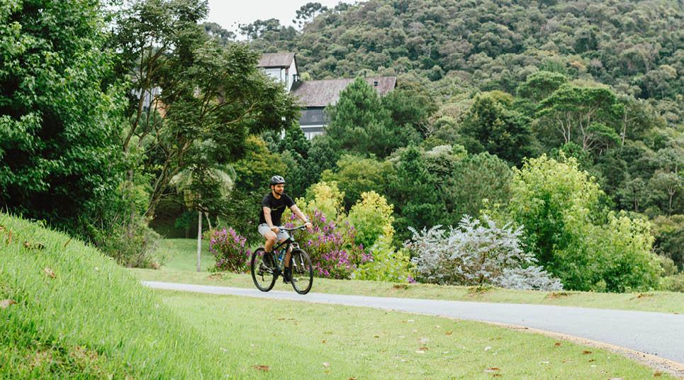 Passeio de bicicleta no Botanique Hotel