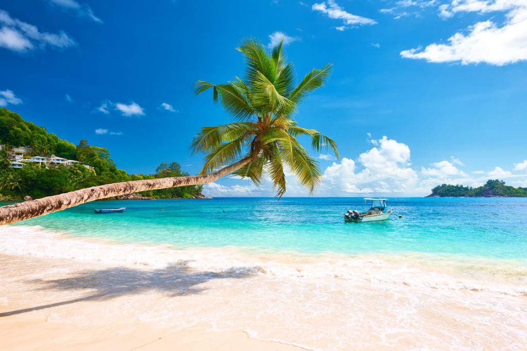 Praia em Mahé, Seychelles