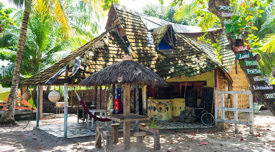 Restaurante em Arembepe, no litoral norte da Bahia