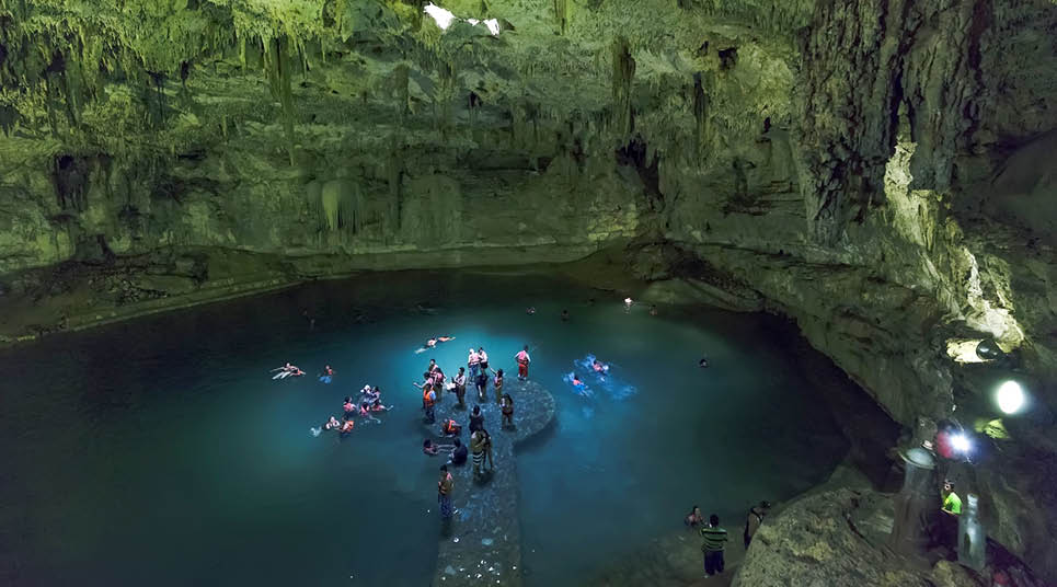 Cenote em Chichén Itzá