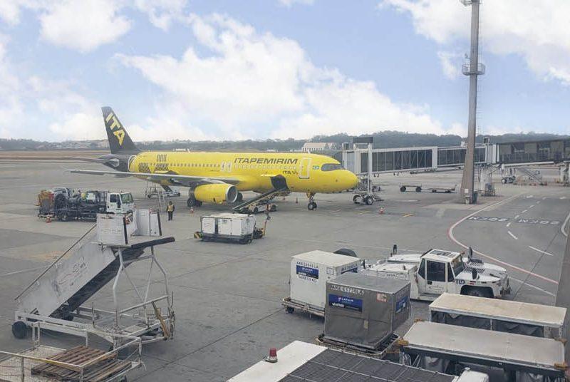 Avião da Itapemirim no aeroporto de Maceió
