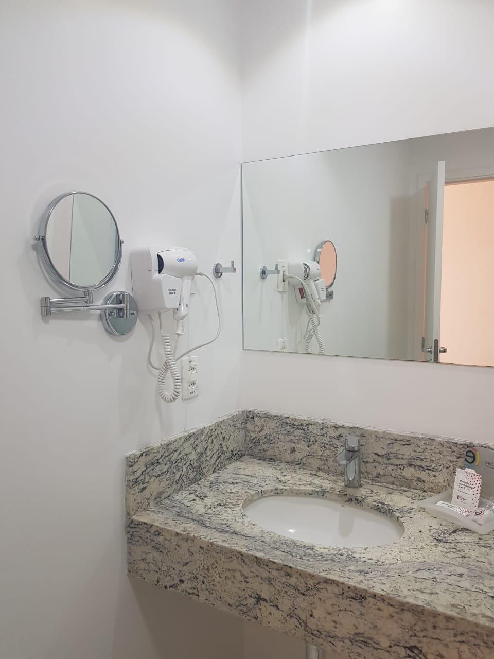 Banheiro do hotel