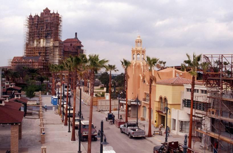 1994 - Construção do Disney's Hollywood Studios